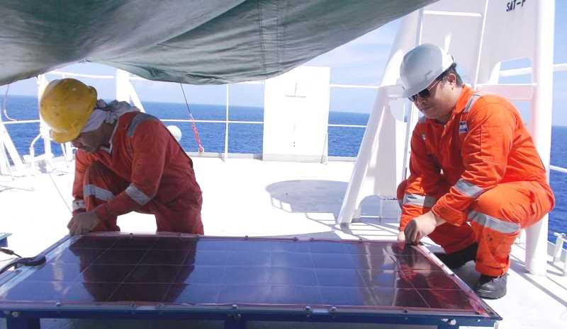 Installation of Solar Array on MV Panamana
