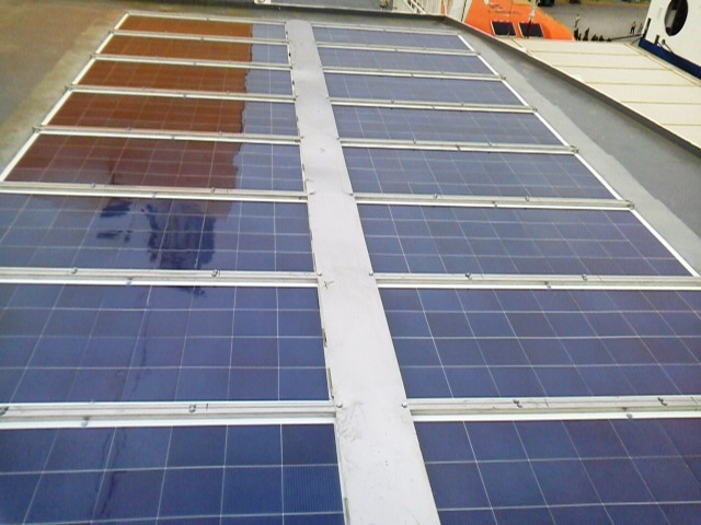 marine_solar_array_1